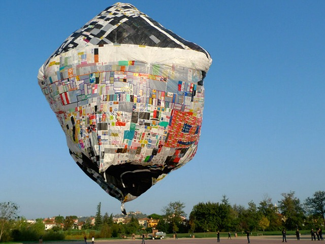 Solar-Powered Balloon Made from Recycled Plastic Bags