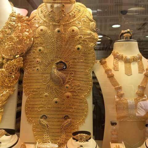Gold mine and World s biggest gold shop in Dubai